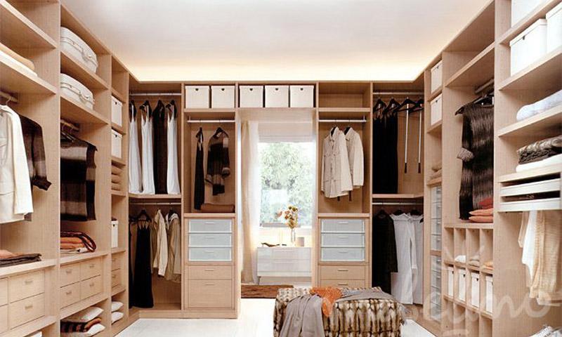 Интерьер гардеробной комнаты